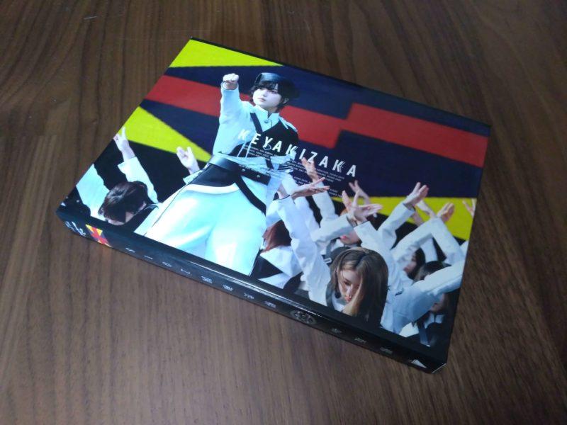 欅坂46「欅共和国2018」のパッケージ