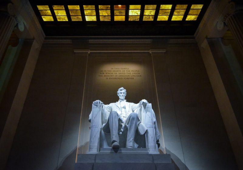 ワシントンのリンカーン記念碑の画像